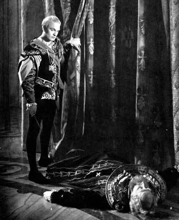 hamlet fortinbras death For in that sleep of death what dreams may come  much like hamlet, and fortinbras resembles a strong leader in the play who is not afraid to attack when he wants.