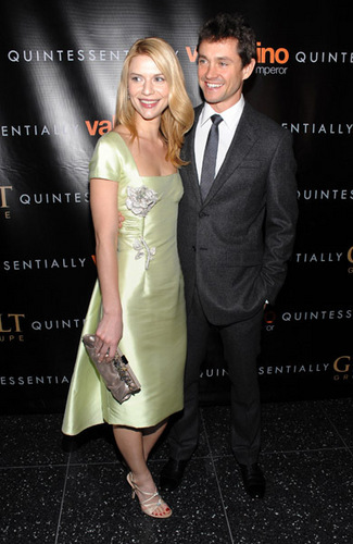 Hugh Dancy hình nền containing a business suit and a well dressed person entitled Hugh and Claire