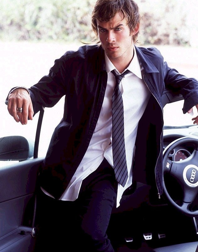 http://images2.fanpop.com/images/photos/5100000/Ian-Somerhalder-cast-as-Damon-the-vampire-diaries-5195503-631-803.jpg