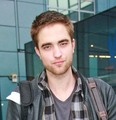 Rob's Hair Cut (do u like it I like it better the other way)!!  - twilight-series photo