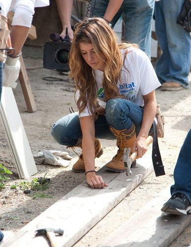 90210 cast at Habitat for Humanity