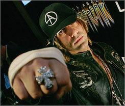 CRISS IS SWEET - criss-angel-mindfreak Photo