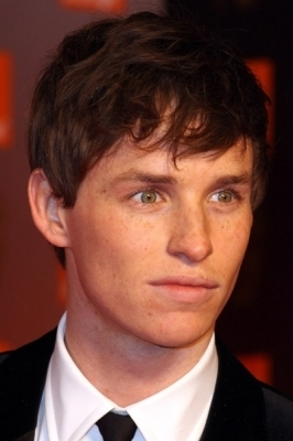Eddie Redmayne wallpaper containing a business suit and a suit titled Eddie