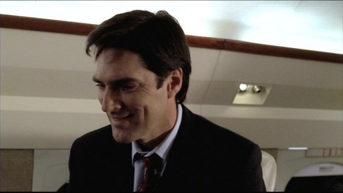 SSA Aaron Hotchner achtergrond containing a business suit titled Hotch