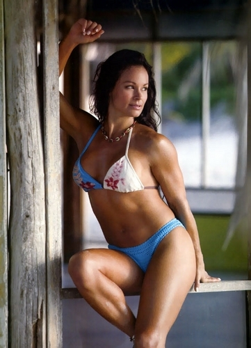 Wwe Former Diva Ivory achtergrond containing a bikini called Ivory