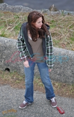 Kristen on New Moon Set