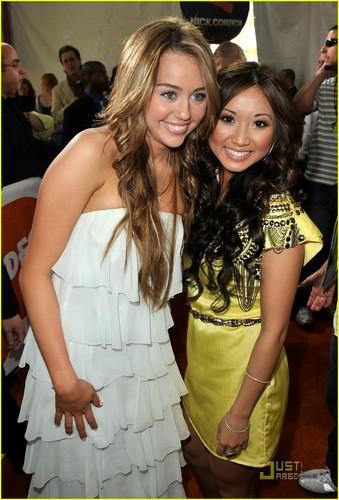 Miley Cyrus 2009 Kids Choice Awards