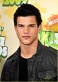 Taylor @ 2009 Kids Choice Awards  - twilight-series photo