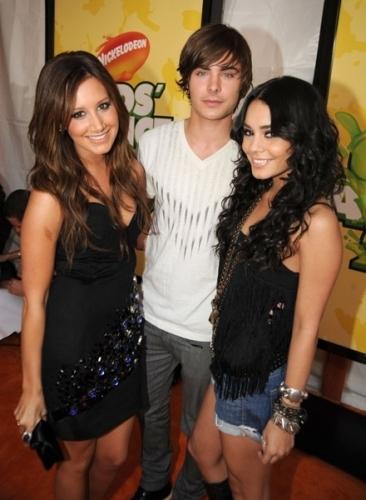 Zac, Vanessa & Ashley @ 2009 Kids Choice Awards
