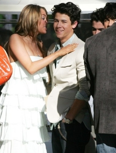 niley part 2?