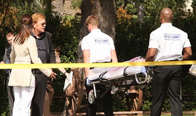 """CSI: Miami - 7x22 - """"Dead on Arrival"""""""