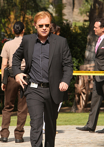 "CSI: Miami - 7x22 - ""Dead on Arrival"""