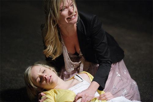 Danielle dies in Ronnie's arms