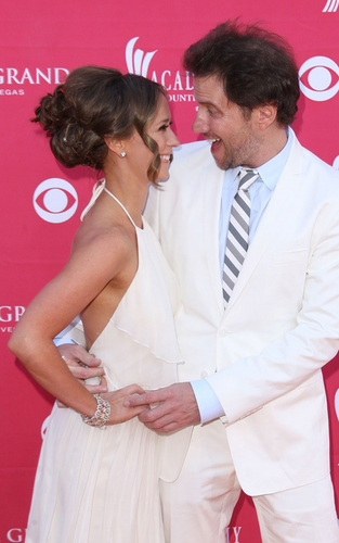Jennifer cinta Hewitt and Jamie Kennedy: ACM pasangan