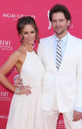 Jennifer Amore Hewitt and Jamie Kennedy: ACM innamorati