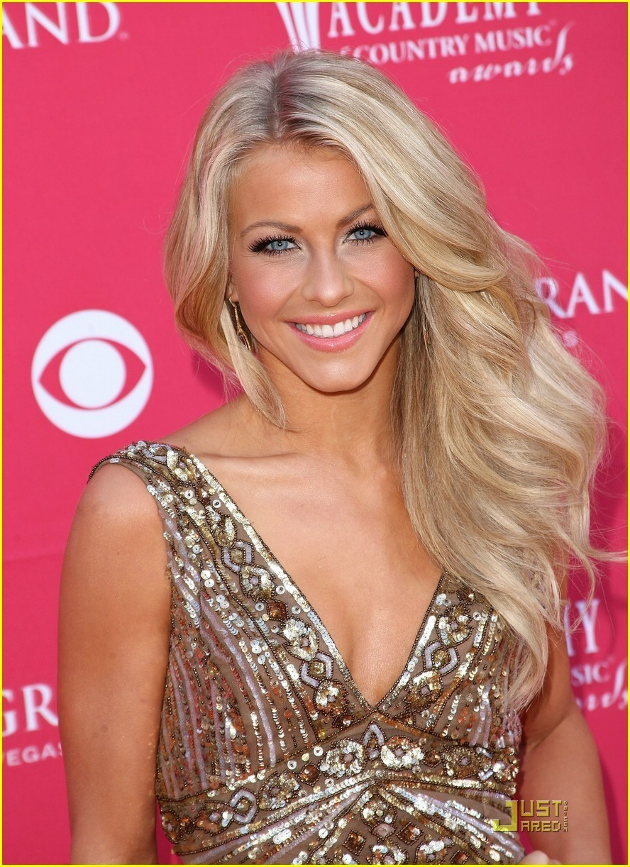 Julianne Hough - Images Gallery