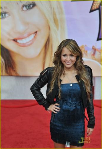 Miley @ Hannah Montana: The Movie Premiere