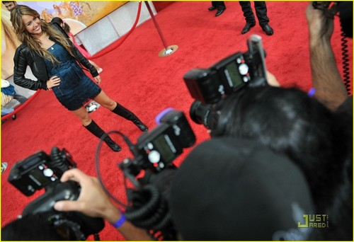 Miley @ Hannah Montana- The Movie Premiere