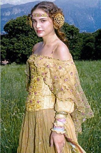 Natalie Portman as Padmé Amidala - natalie-portman Screencap