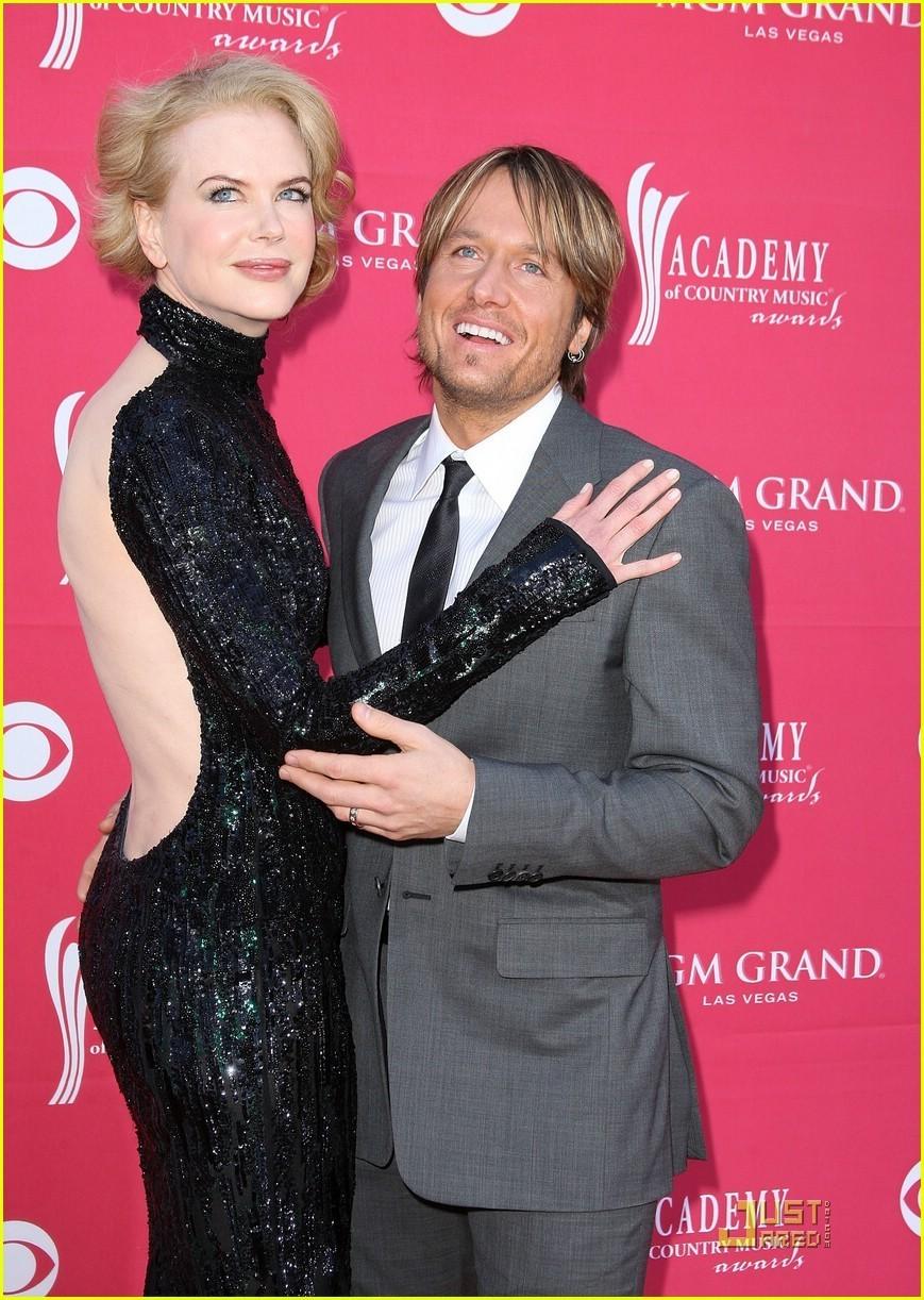 Nicole Kidman - ACMs 2009 with Keith Urban