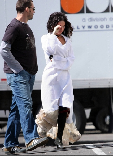 On Set - April 03, 09