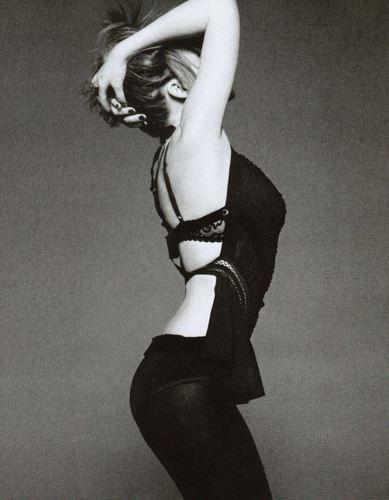 UK Elle May 2009
