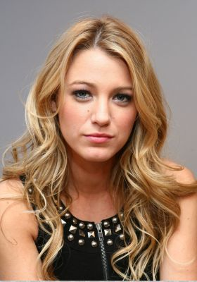 Serena Van Der Woodsen wallpaper containing a portrait titled Blake Lively