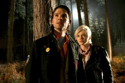 Connor-and-Abby-primeval-5470809-400-266