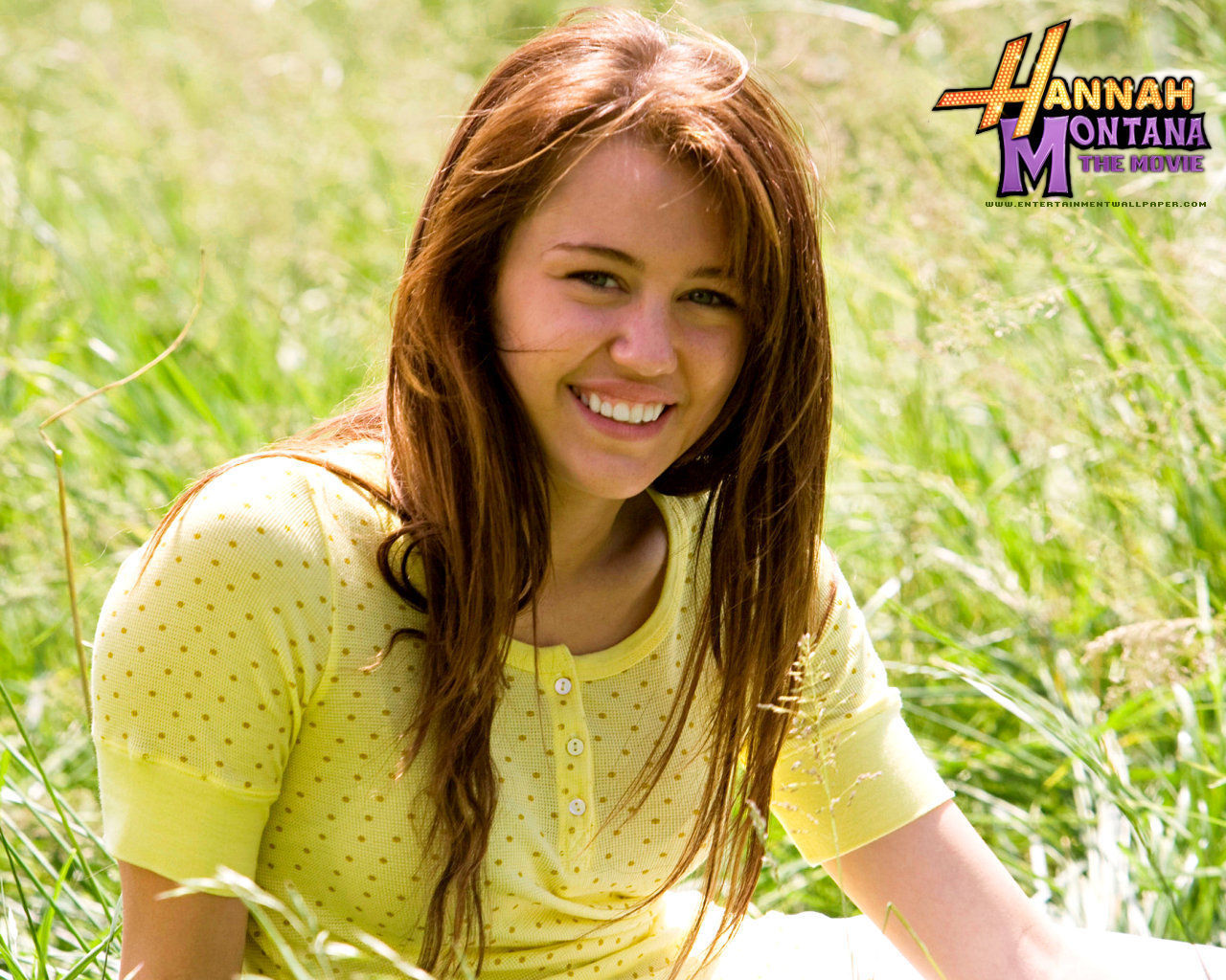 http://images2.fanpop.com/images/photos/5400000/Hannah-Montana-The-Movie-miley-cyrus-5466941-1280-1024.jpg