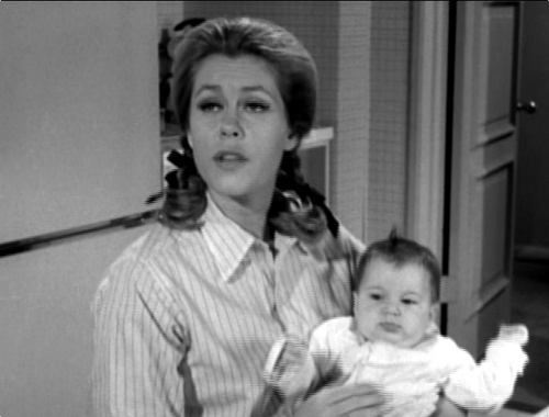 Samantha With Baby Tabitha - bewitched Photo