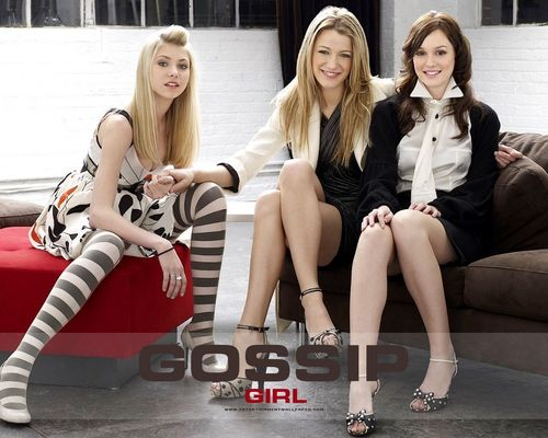 Serena Van Der Woodsen wallpaper probably with bare legs and a portrait titled Serena & GG Cast