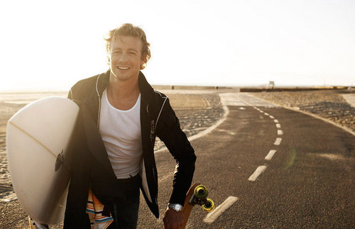 Simon Baker strand Photoshoot