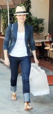 Sophia Leaving Nail Salon in Beverly Hills