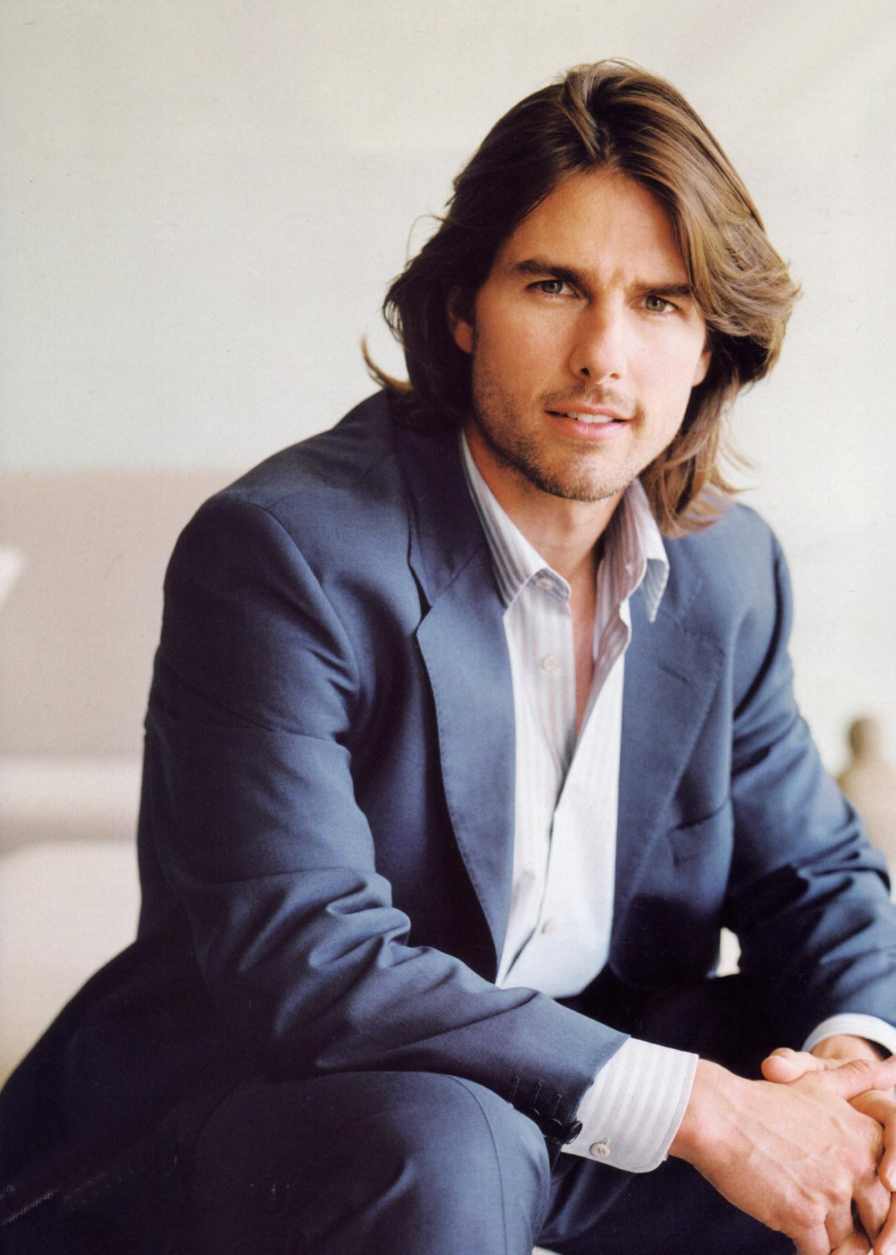 http://images2.fanpop.com/images/photos/5400000/Tom-Cruise-tom-cruise-5456462-1300-1821.jpg
