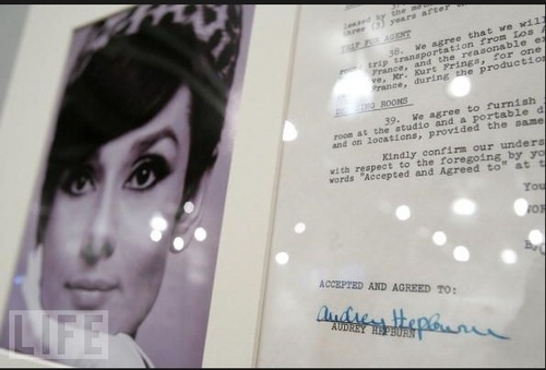 A Contract signed par Audrey for 'How to Steal a Million'