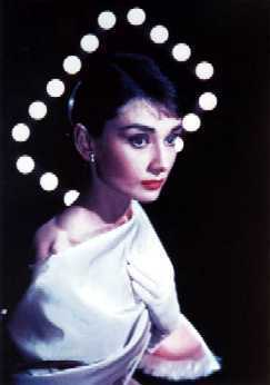 Audrey Hepburn wallpaper probably with a portrait titled Audrey