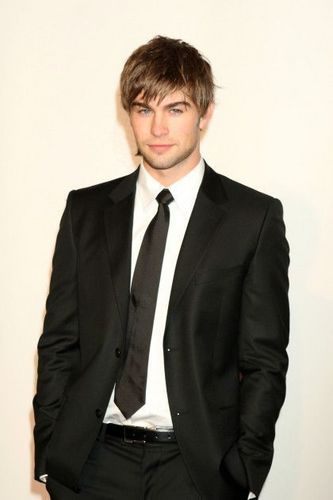 Nate Archibald wallpaper containing a business suit, a suit, and a single breasted suit entitled Chace Crawford