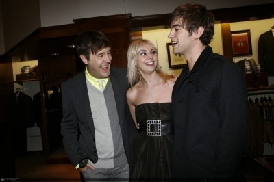 Chace and Taylor - chace-crawford-and-taylor-momsen PhotoTaylor Momsen And Chace Crawford Gif