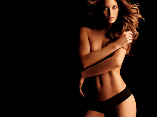 Doutzen Kroes wallpaper possibly with skin entitled Doutzen