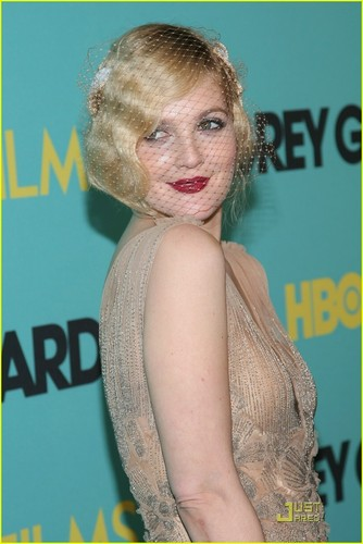 Drew Barrymore Premieres Grey Gardens - drew-barrymore Photo