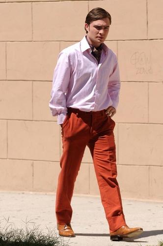 Robert Pattinson vs Ed Westwick fondo de pantalla containing a business suit called Ed