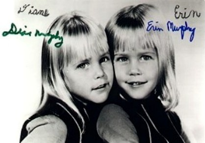 Bewitched wallpaper with a portrait entitled Erin and Diane Murphy  (Tabitha)