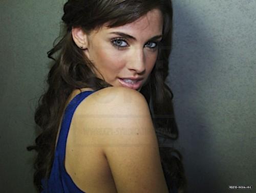 Jessica Lowndes photoshoot!