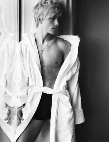 mitch hewer boyfriend
