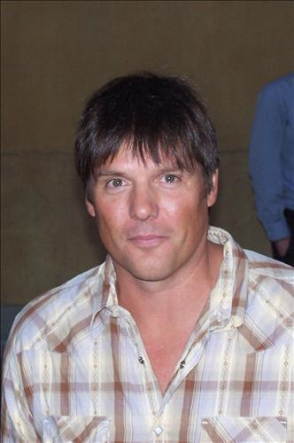 paul johansson height