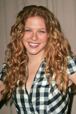rachelle lefevre eye color