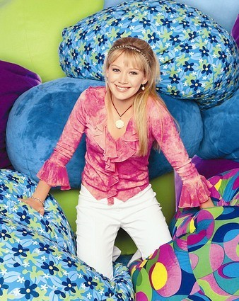Lizzie McGuire wallpaper probably containing a parasol titled lizzie