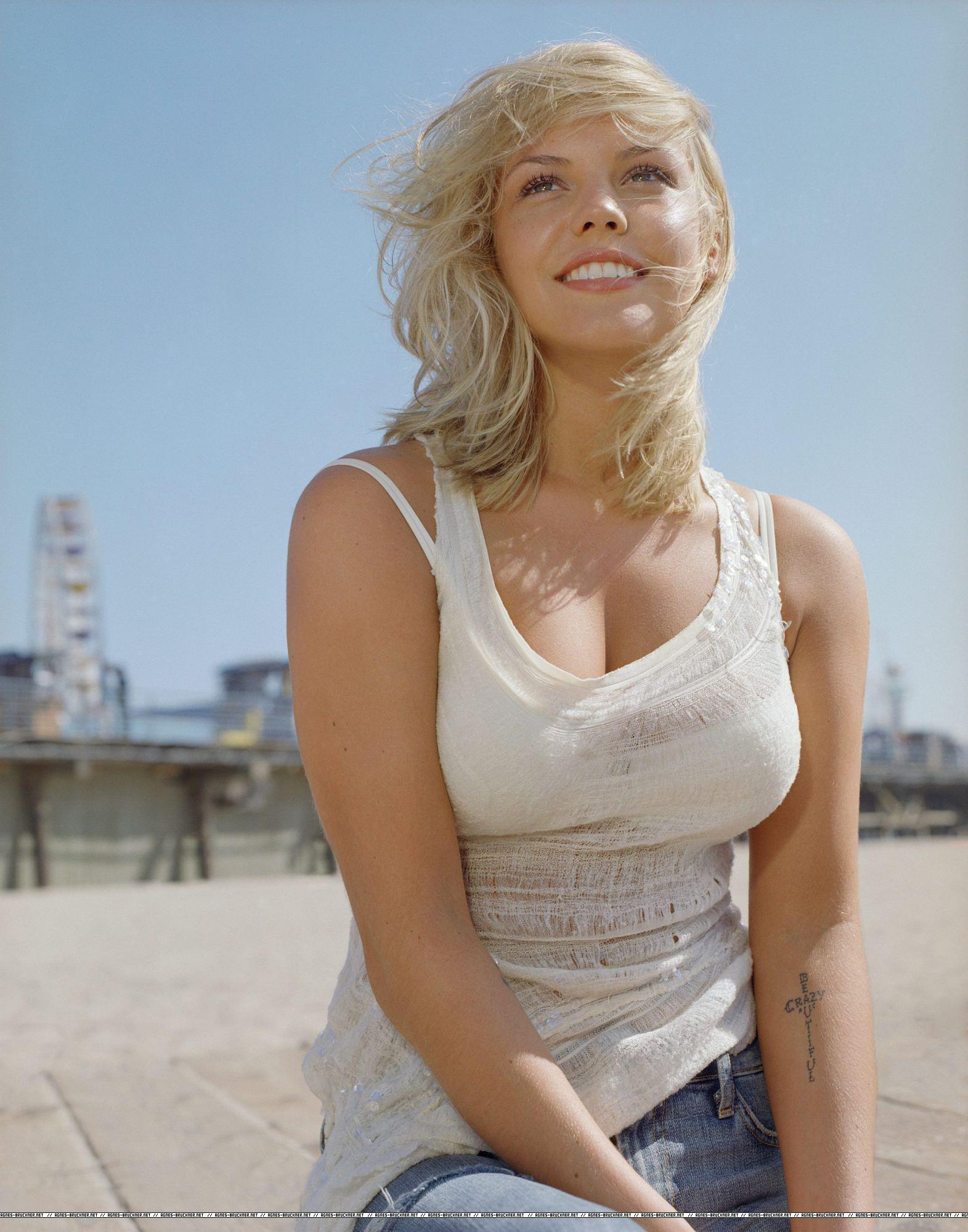 agnes bruckner seductive hot - photo #4