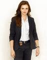 Amber Tamblyn as Detective Casey Shraeger