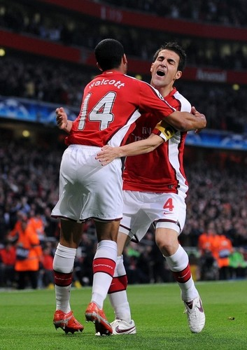 Cesc Fabregas 바탕화면 probably with a fullback, a 축구 player, and a 앞으로 titled Arsenal vs. Villarreal,April 15,2009